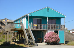 Outer Banks Beach House Rental in Kitty Hawk.  1 week rental during off season dates from April 22-May 20, 2017 or September 30-October 28, 2017.  3 bedrooms, kitchen, dining room, living room, front porch, sun deck, located at the 2.5 milepost on the Beach Road.